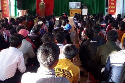 Kỉ niệm 75 năm ngày thành lập Quân đội nhân dân Việt Nam và 30 năm ngày hội quốc phòng toàn dân